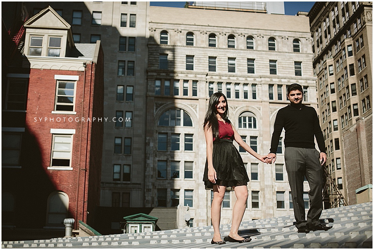 Philadelphia-wedding-photographer-city-engagment-photo