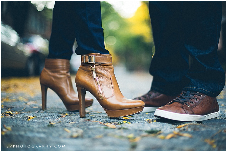 Philadelphia-Girard-fountain-park-engagement-photo
